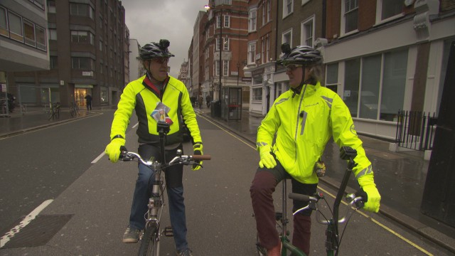 Jeremy Clarkson and James May on bikes in central London