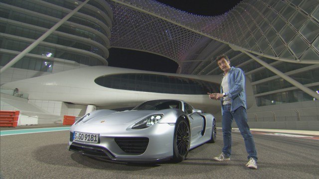 Richard Hammond with the Porsche 918 at Yas Marina Grand Prix circuit in Abu Dhabi