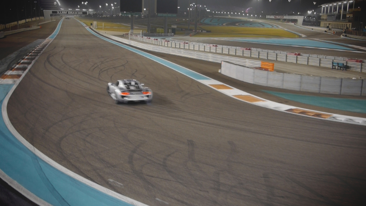 The Porsche 918 at Yas Marina Grand Prix circuit in Abu Dhabi