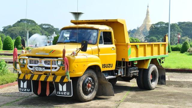 Jeremy Clarkson's Isuzu TXD lorry in Yangon, Burma