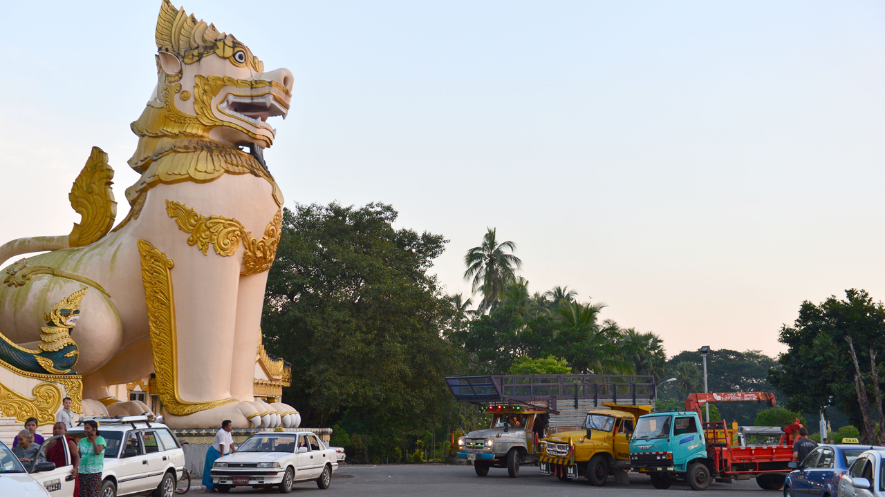 Jeremy Clarkson, Richard Hammond and James May's lorries in Yangon, Burma