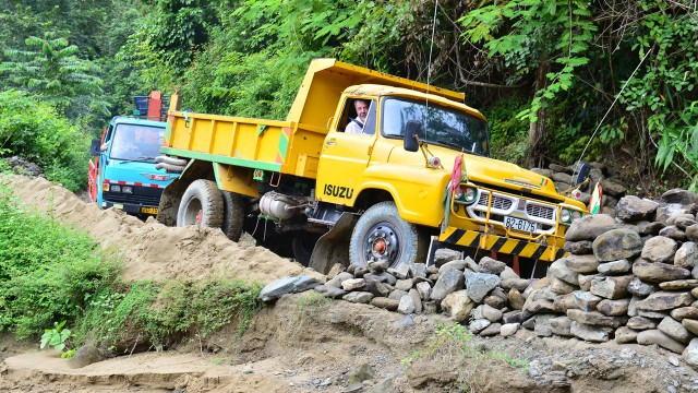 Jeremy Clarkson in his Isuzu TXD lorry heading north through Burma