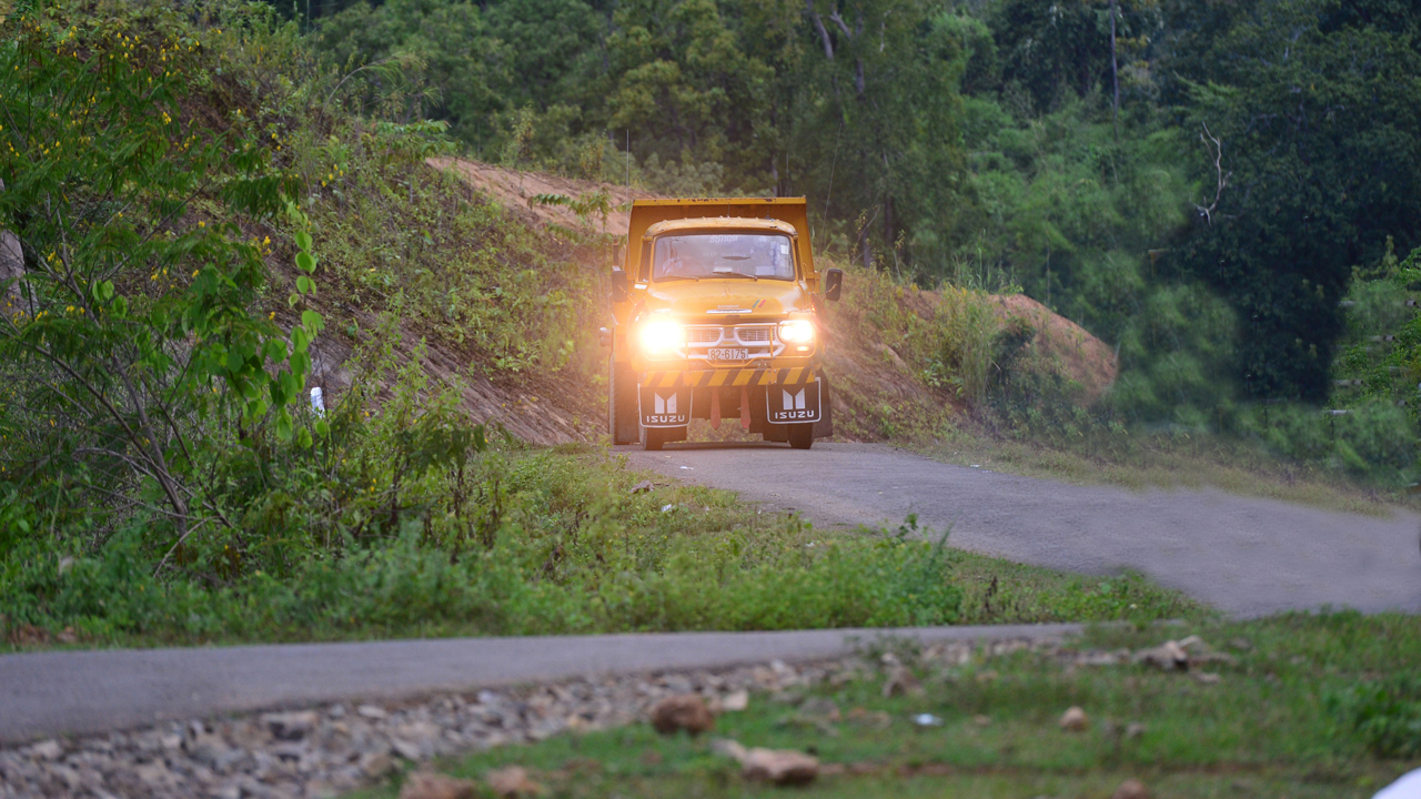 Jeremy Clarkson heading north through Burma in his Isuzu TXD lorry