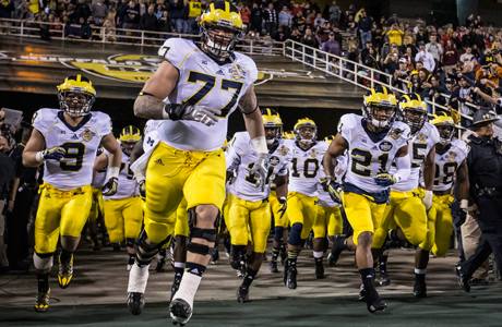 The Michigan Wolverines at the Buffalo Wild Wings Bowl in December 2013. (Photo: Cal Sport Media via AP Images)