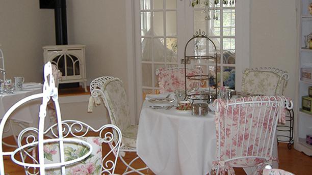 (Jacqueline's Tea Room)