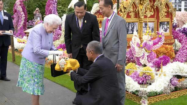 Queen Elizabeth II RHS Chelsea Flower Show, London, Britain - 19 May 2014  (Rex Features via AP Images)