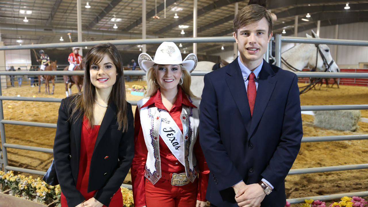Poppy & Georgie with Stephanie Revels at the rodeo.