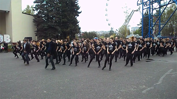 'Sherlock' fans' flashmob in St. Petersburg