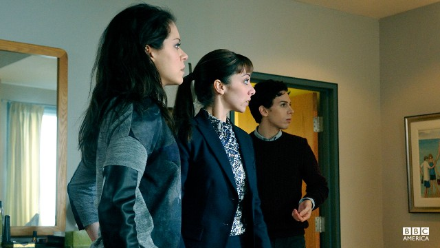 Tatiana Maslany with acting double Kathryn Alexandre and Jordan Gavaris in episode 207.