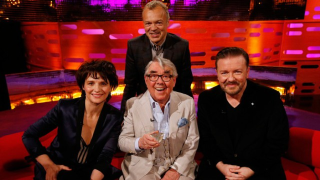 Season 15 Episode 3  Juliette Binoche - water Ronnie Corbett - white wine Ricky Gervais - lager Imelda May - water