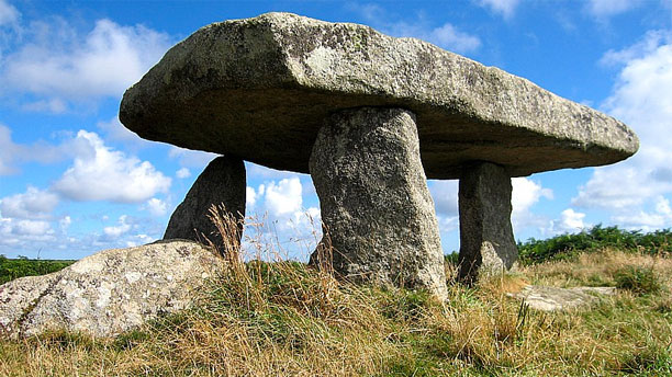 Lanyon Quoit (Pic: Wikipedia)