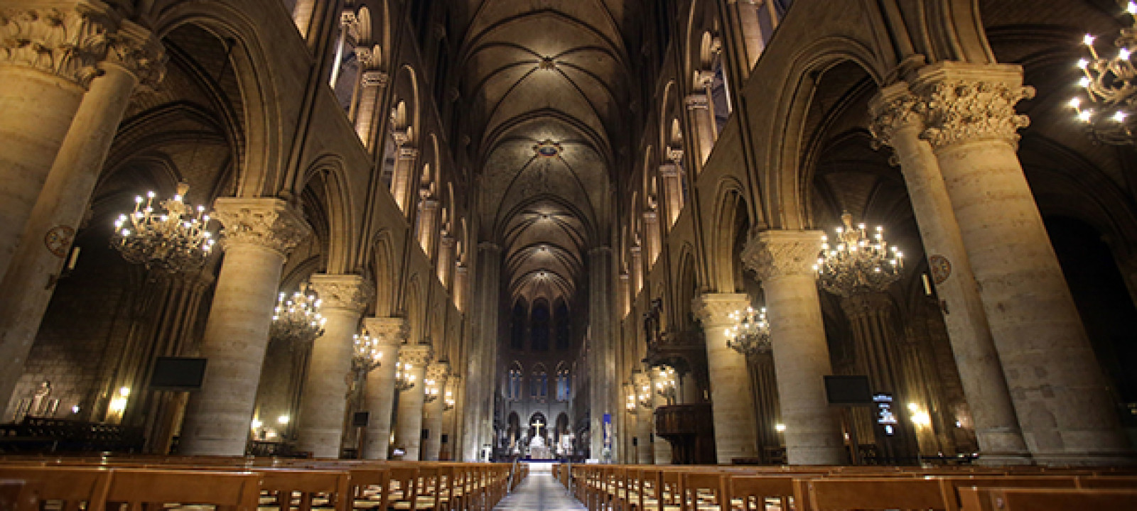 France Notre Dame Lighting