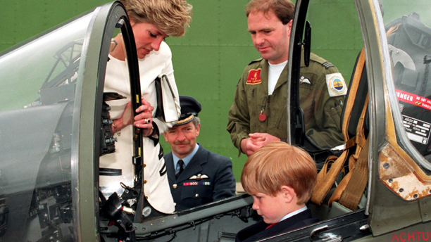 PRINCESS OF WALES AND PRINCE HARRY VISIT RAF WITTERING 91. (Express Newspapers Via AP