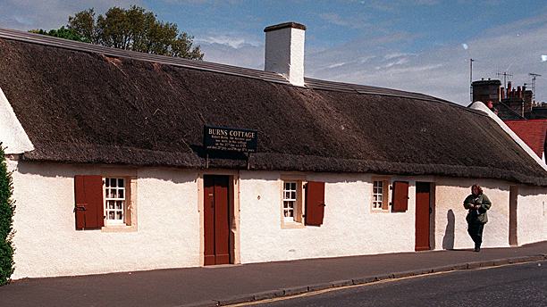 The cottage—with unreeking lum—in Alloway where the poet Robert Burns was born in 1759. (Pic: AP Images)