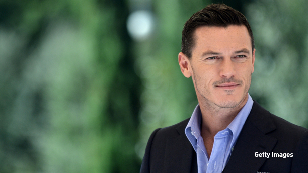 """Welsh actor Luke Evans poses during a photo call for the film """"Dracula Untold"""" on October 3, 2014 in Rome. The film by Irish director Gary Shore will be released in Italy on October 30. AFP PHOTO / TIZIANA FABI"""