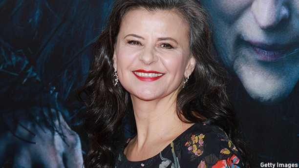 "NEW YORK, NY - DECEMBER 08:  Tracey Ullman attends ""Into The Woods"" World Premiere - Outside Arrivals at Ziegfeld Theater on December 8, 2014 in New York City. (Rob Kim/Getty Images)"