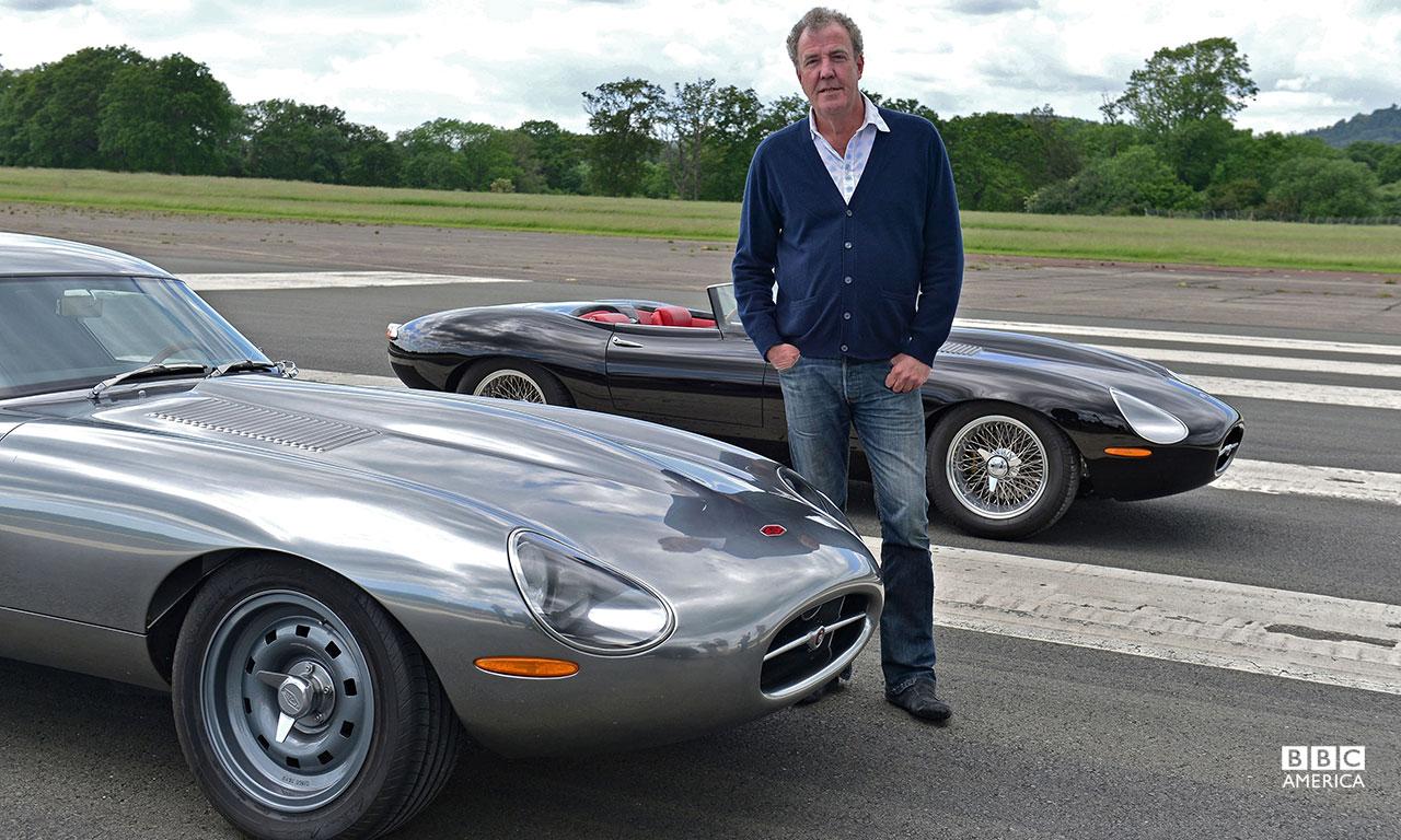 Jeremy Clarkson with the Jaguar E-type (Eagle Low Drag GT) alongside the Jaguar F-type Coupe.