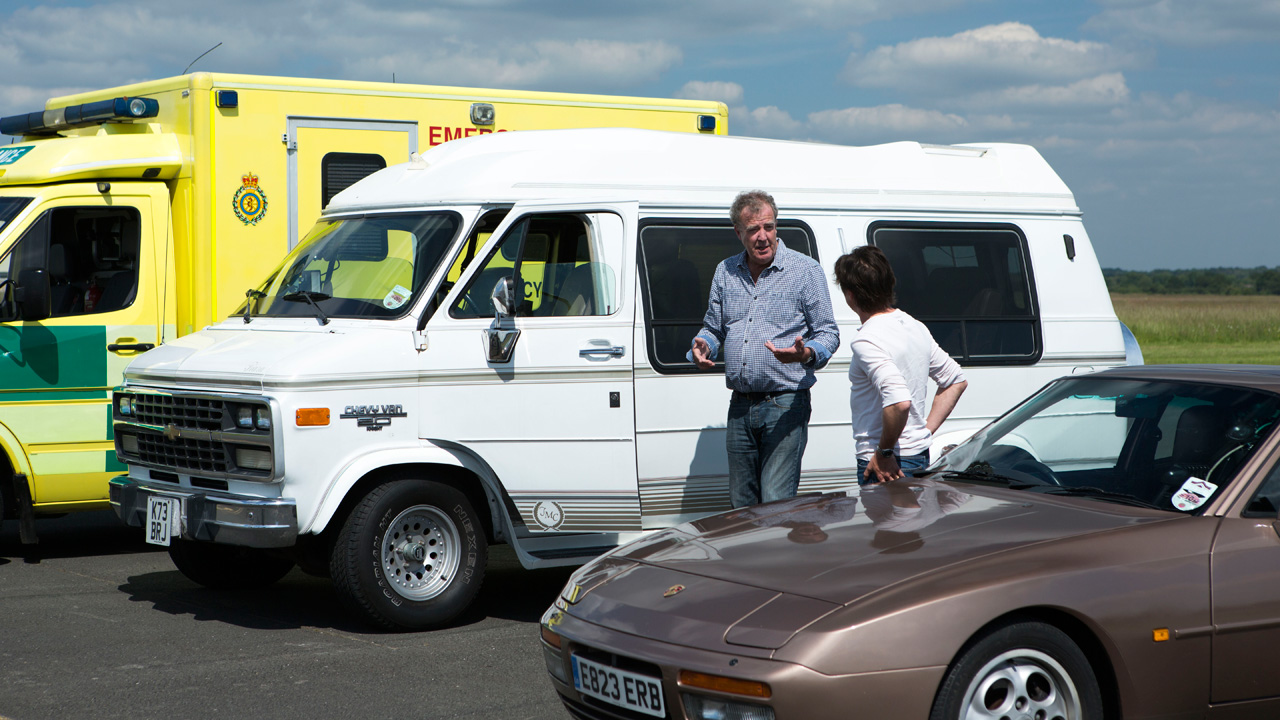 Jeremy Clarkson and Richard Hammond with the Chevrolet GMC Day Van V8 and the Porsche 944 Turbo