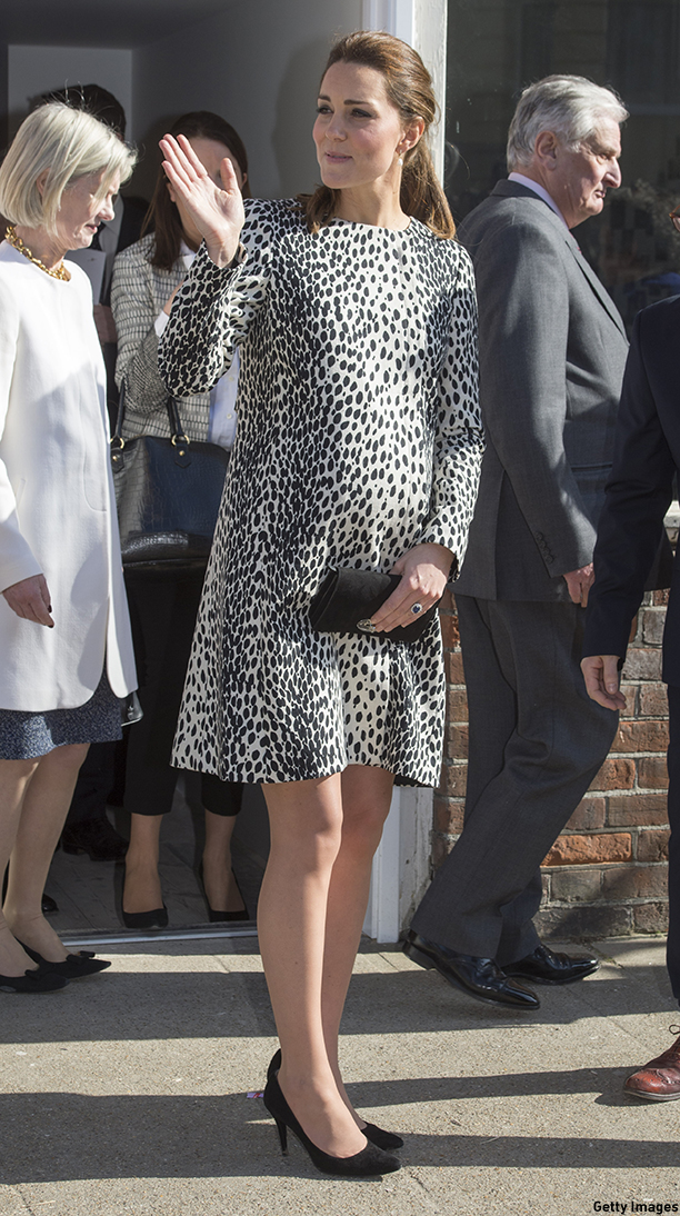 MARGATE, ENGLAND - MARCH 11:  Catherine, Duchess of Cambridge is seen during her visit to Resort Studios in Cliftonville on March 11, 2015 in Margate, England.  (Photo by Arthur Edwards - WPA Pool/Getty Images)