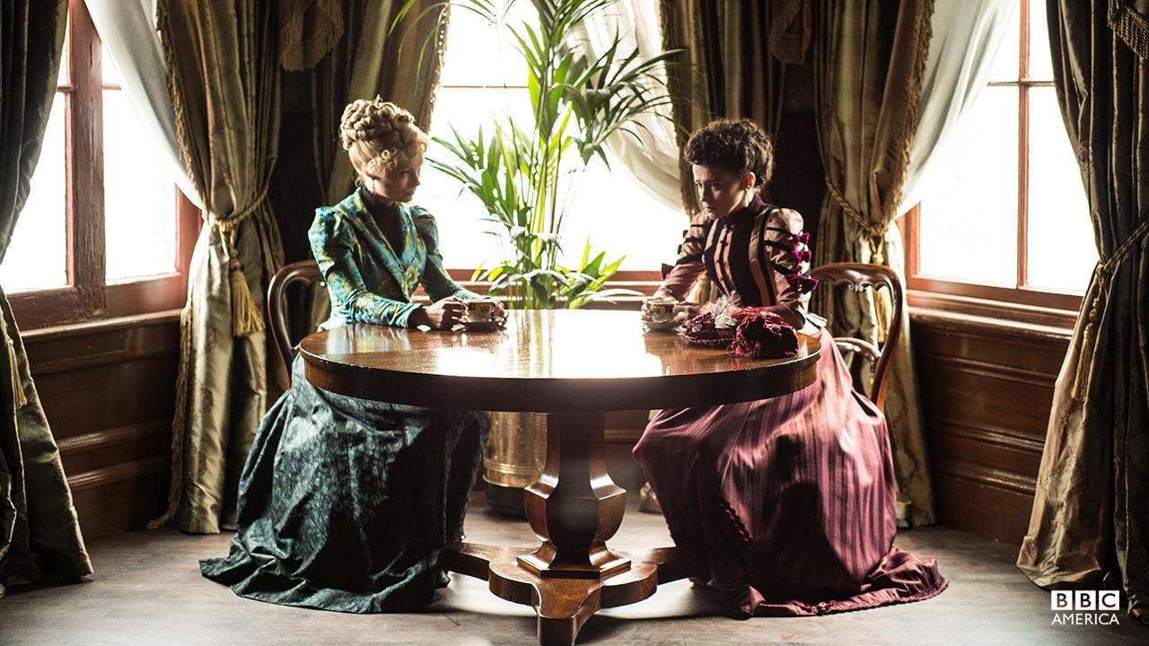 Long Susan (MyAnna Buring) and Rose Erskine (Charlene McKenna).