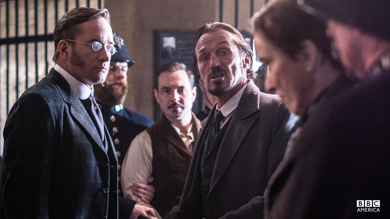 Inspector Edmund Reid (Matthew MacFadyen) and Detective Bennet Drake (Jerome Flynn).