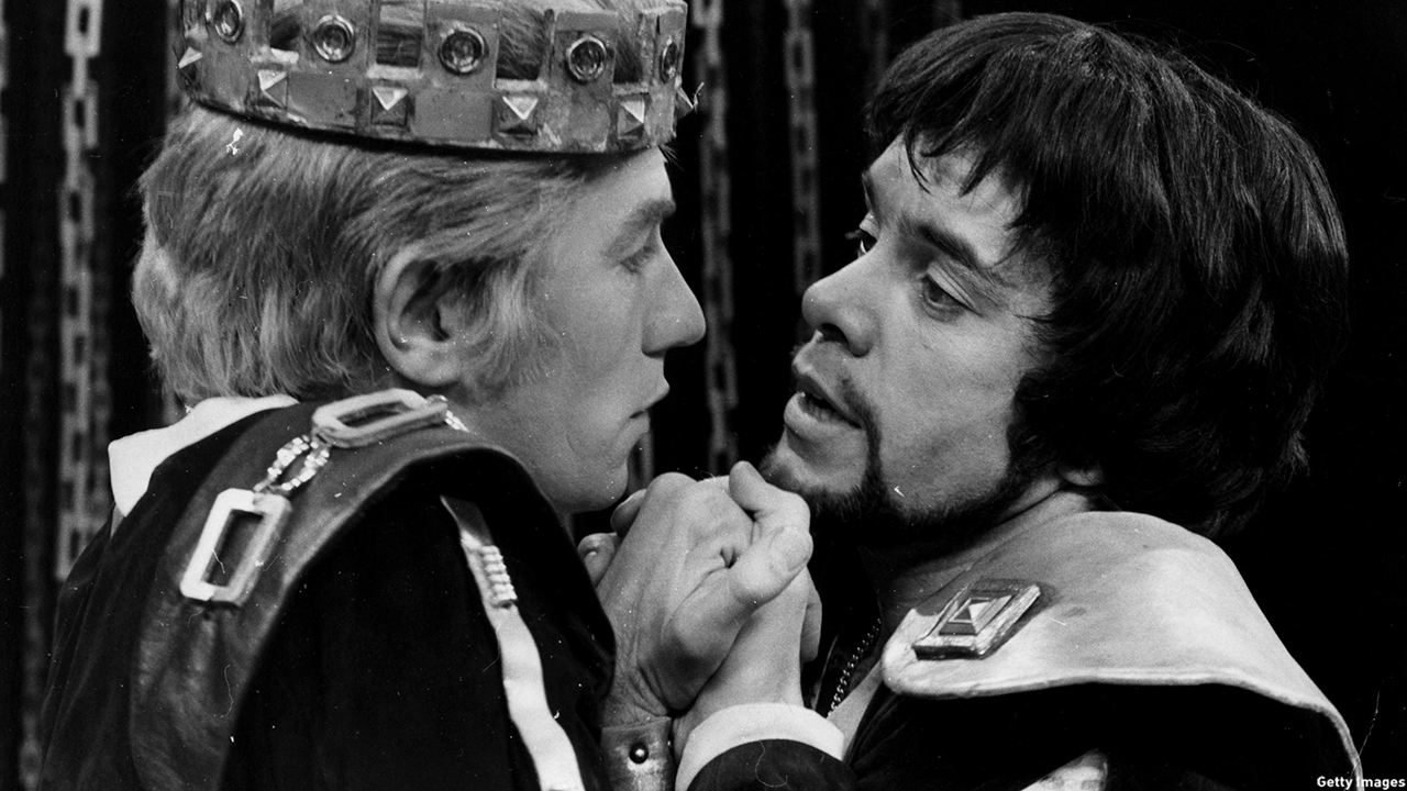 McKellen performed opposite James Laurenson in 'Edward II' at London's Piccadilly Theatre in 1970. (Central Press/Getty Images)