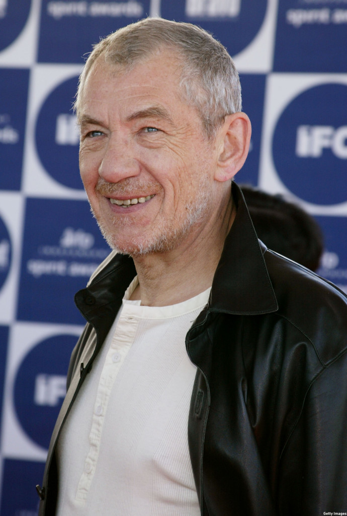 McKellen sported a more casual look when he arrived to the 2004 IFP Independent Spirit Awards in 2004. (Carlo Allegri/Getty Images)