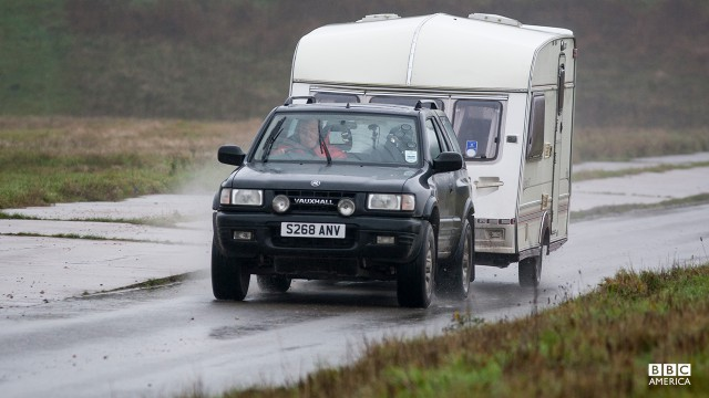 Jeremy Clarkson driving a Vauxhall Frontera in a Caravan-Towing Challenge.