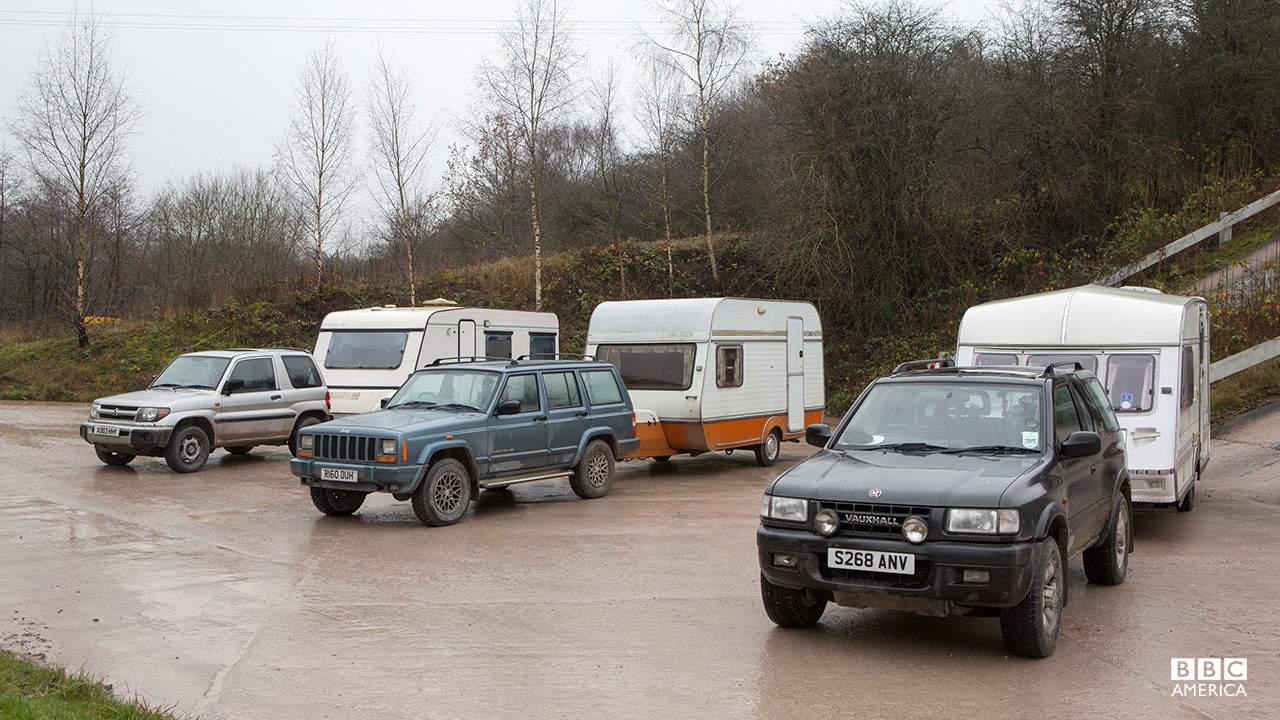 A Mitsubishi Shogun Pinin, a Jeep Cherokee and a Vauxhall Frontera prepared for a Caravan-Towing Challenge.