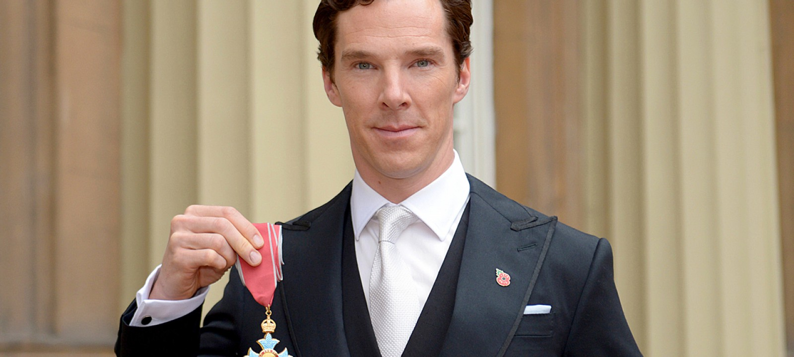 Benedict Cumberbatch receives his CBE at Buckingham Palace (Photo: WPA Pool / Getty Images)