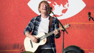 anglo_2000x1125_edsheeran_singing