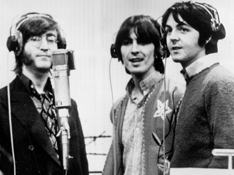 Fans can stream Beatles music at several sites as of December 24