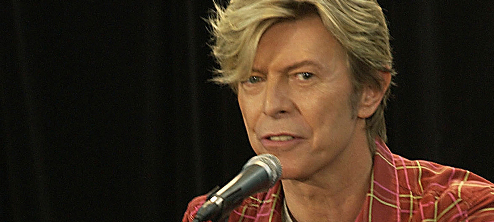 David Bowie in 2004 (Photo: Patrick Riviere/Getty Images)