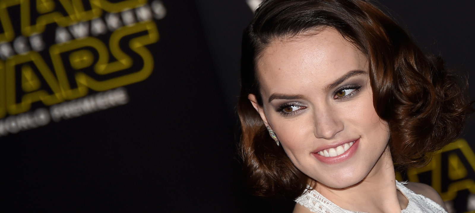 "Actress Daisy Ridley attends the premiere of Walt Disney Pictures and Lucasfilm's ""Star Wars: The Force Awakens"" at the Dolby Theatre on December 14, 2015 in Hollywood, California."