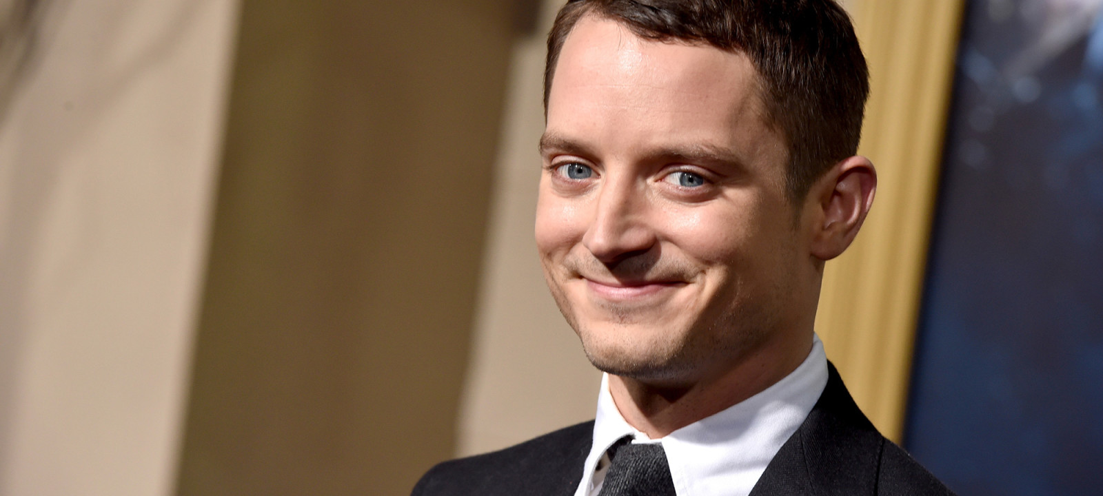 anglo_2000x1125_elijahwood