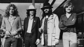 June 1973:  British rock band Led Zeppelin. From left to right, Robert Plant, Jimmy Page, John Bonham (1947 – 1980), John Paul Jones.