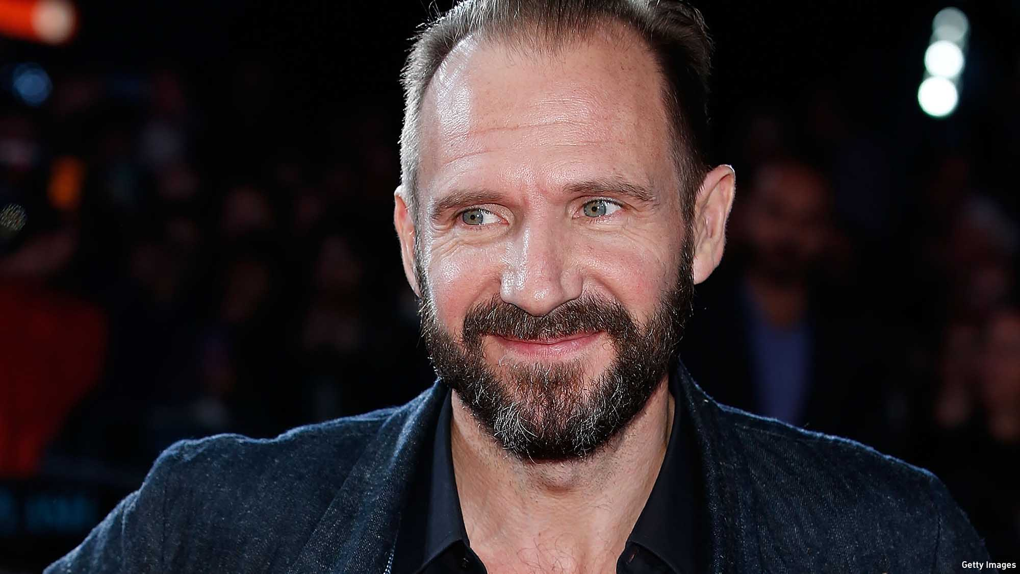 WATCH: Ralph Fiennes i...