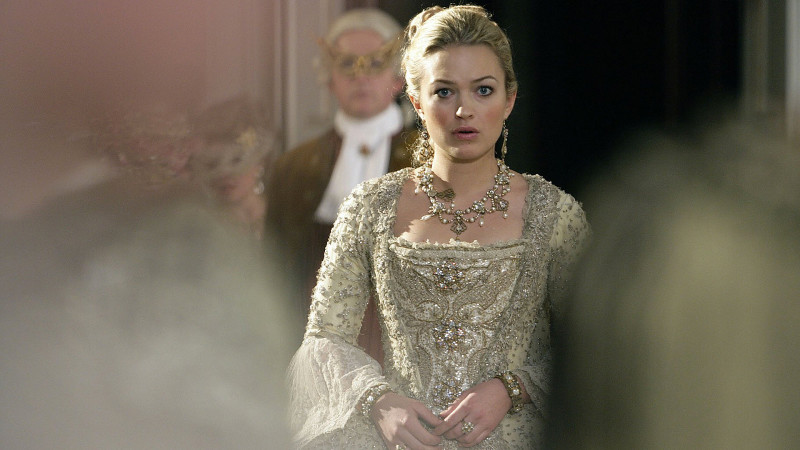 Sophia Myles in 'The Girl in the Fireplace' (Photo: BBC)