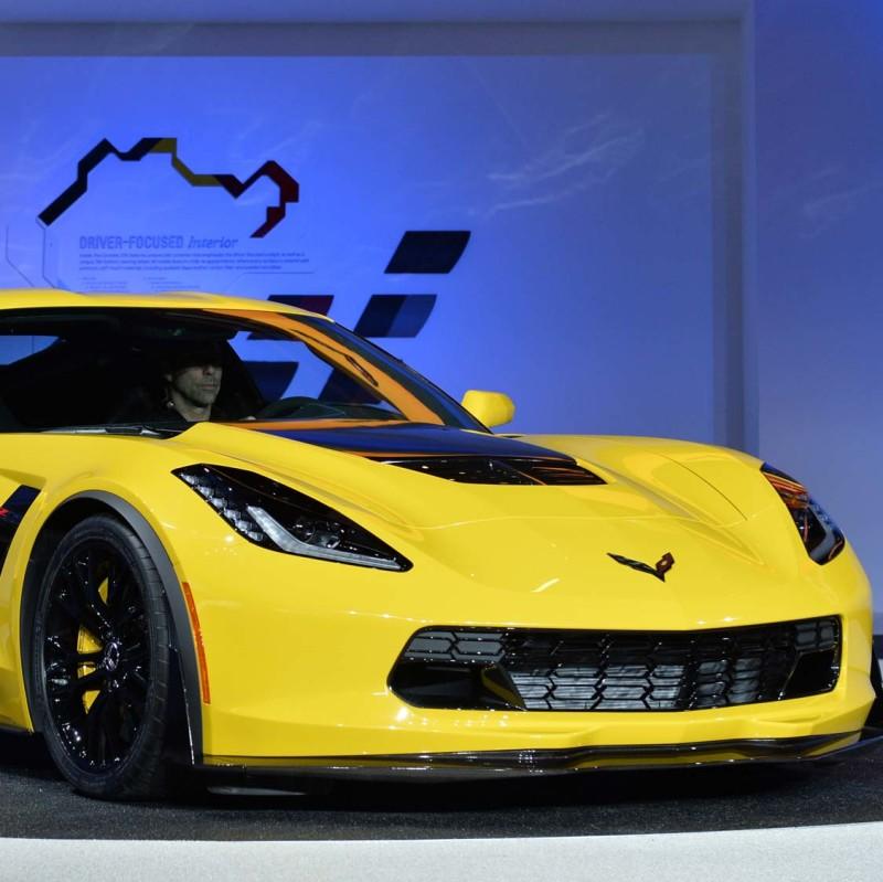 anglo_2000x1125_corvette