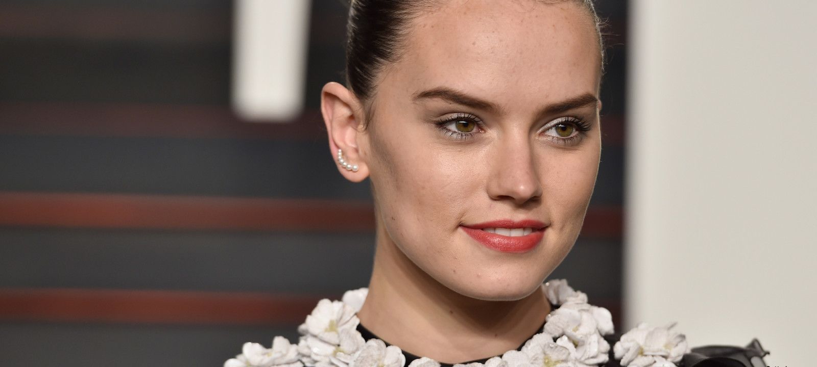 Actress Daisy Ridley attends the 2016 Vanity Fair Oscar Party Hosted By Graydon Carter at the Wallis Annenberg Center for the Performing Arts on February 28, 2016 in Beverly Hills, California.