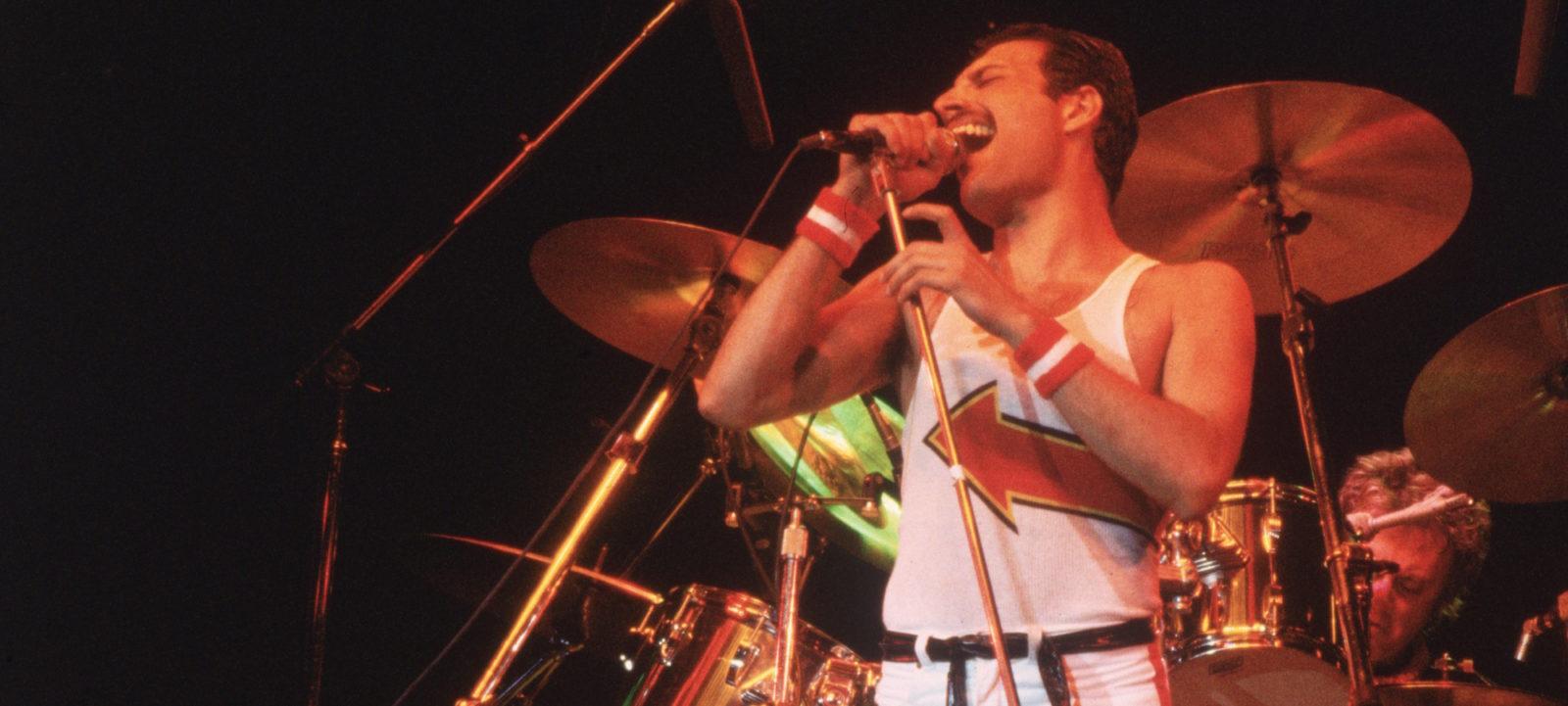5th June 1982:  Freddie Mercury (1946 – 1991), lead singer of 70s hard rock quartet Queen, in concert in Milton Keynes.