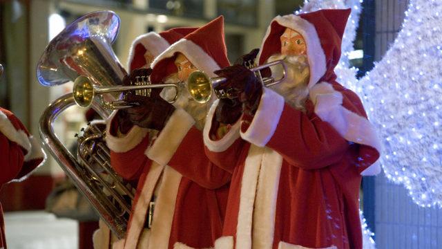 'The Christmas Invasion' (Pic: BBC)