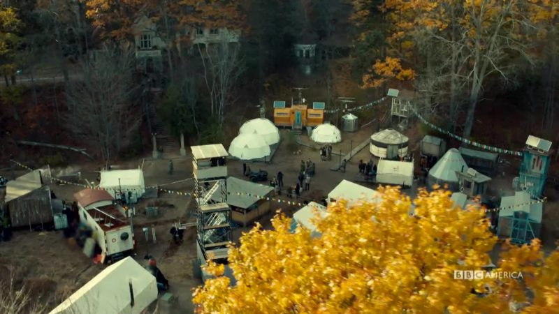 Orphan_Black_S5_Closer_Look_501_The_Village_for_Digital_YouTubePreset_964672579919_mp4_video_1920x1080_5000000_primary_audio_7_1920x1080_964674115675