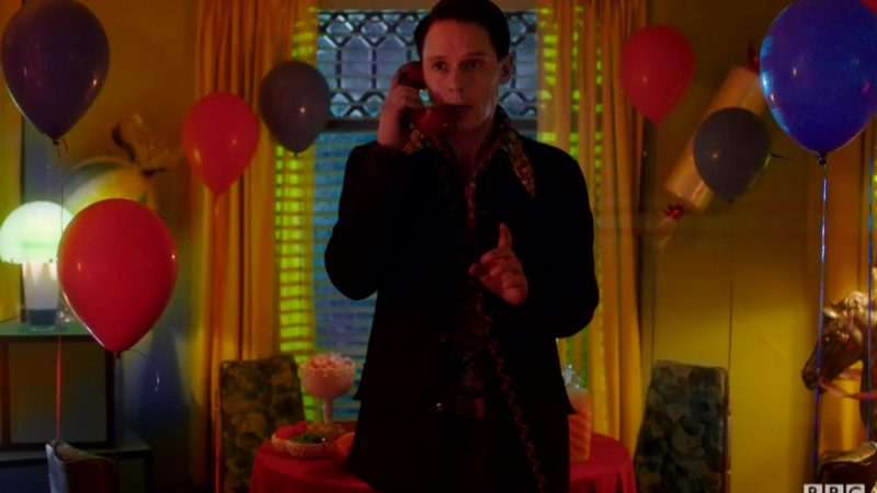 Dirk_Gently_S2_E04_OMG_2_AN_Saturdays_GCU_YouTubePreset_1920x1080_1089654851657