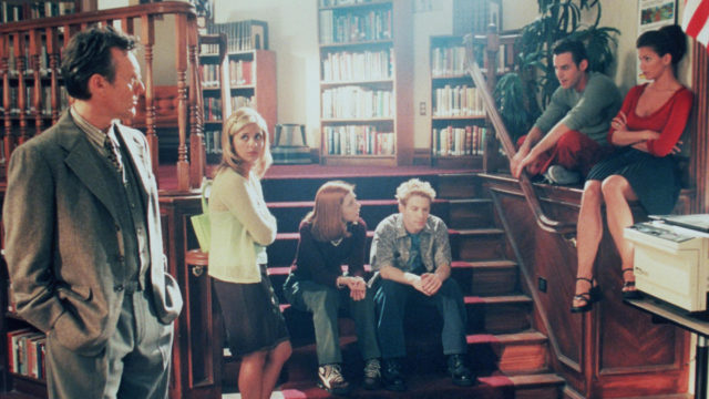 "1998 The cast of ""Buffy The Vampire Slayer."" From l-r: Anthony Stewart Head, Sarah Michelle Gellar,"