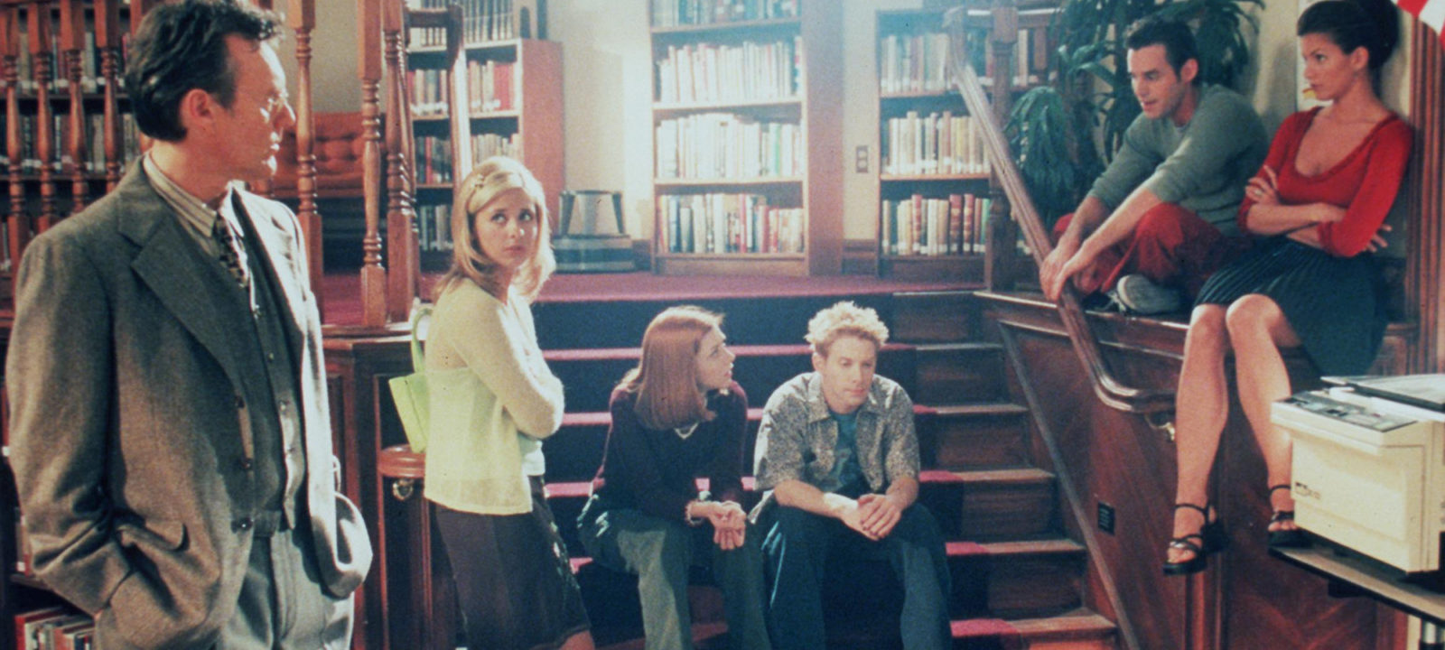 """1998 The cast of """"Buffy The Vampire Slayer."""" From l-r: Anthony Stewart Head, Sarah Michelle Gellar,"""