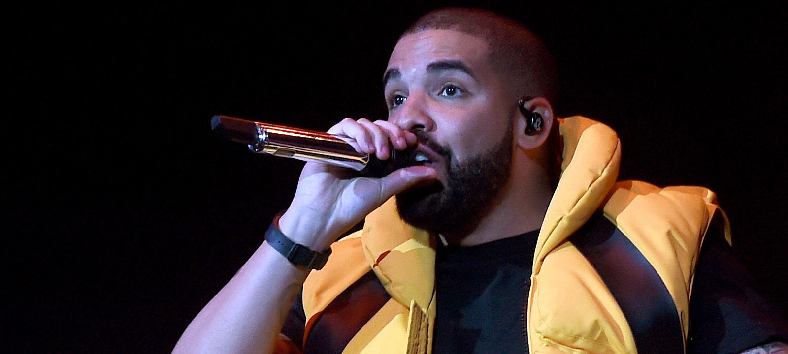 Drake performs on the Coachella Stage during day 2 of the Coachella Valley Music And Arts Festival (Weekend 1) at the Empire Polo Club on April 15, 2017 in Indio, California.