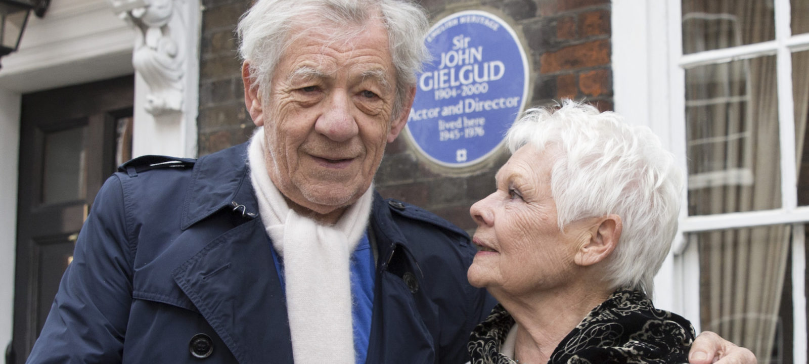 Sir John Gielgud Receives English Heritage Blue Plaque