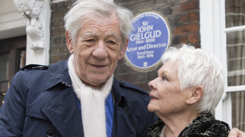 Sir John Gielgud Receives English Heritage Blue Plaque