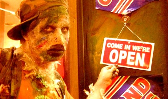 Lloyd Kaufman Serves Up <i>Poultrygeist</i> to a New Generation of Troma-tized Audiences